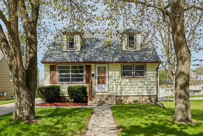 West Allis Single Family Home Active Contingent With Offer: 721 S 100th St