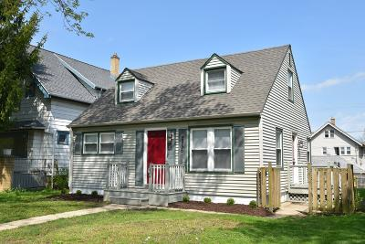 Milwaukee Single Family Home For Sale: 2856 N 54th St