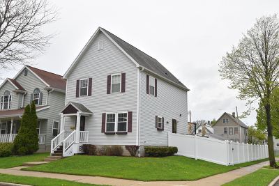 Milwaukee Single Family Home Active Contingent With Offer: 1963 N 18th St
