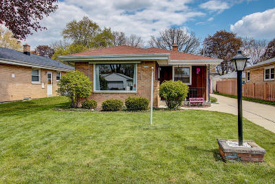 Wauwatosa Single Family Home Active Contingent With Offer: 4120 N 97th St