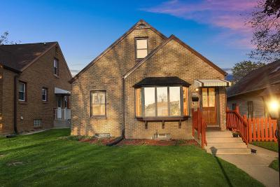 Milwaukee Single Family Home Active Contingent With Offer: 4256 S 2nd St