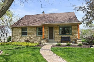 Milwaukee County Single Family Home For Sale: 5678 N Dexter Ave