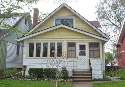 West Allis Single Family Home Active Contingent With Offer: 1537 S 78th St