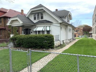 Milwaukee Single Family Home For Sale: 3452 N 17th St