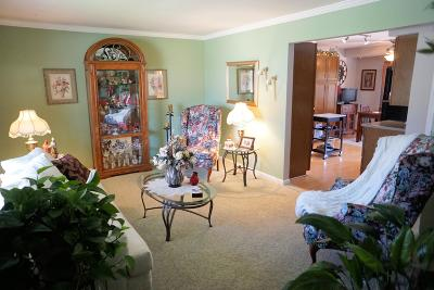 Racine County Single Family Home Active Contingent With Offer: 143 Crab Tree Ln