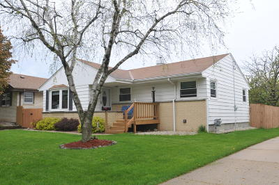 Milwaukee Single Family Home Active Contingent With Offer: 4835 S 23rd St