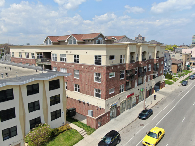 Milwaukee Condo/Townhouse For Sale: 1619 N Farwell Ave #102