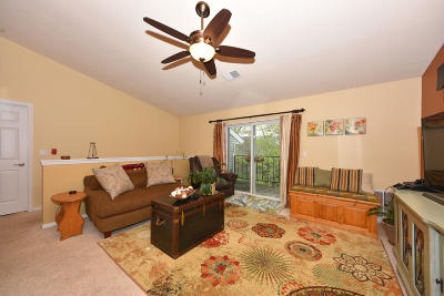 Germantown Condo/Townhouse Active Contingent With Offer: W168n11062 Ashbury Cir #6
