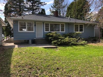 Menominee Single Family Home Active Contingent With Offer: 2100 18th St