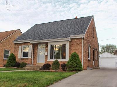 Milwaukee Single Family Home Active Contingent With Offer: 212 N 79th Street
