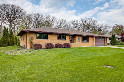 Milwaukee County Single Family Home For Sale: 5323 Radcliff Dr