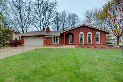 Washington County Single Family Home Active Contingent With Offer: N109w15710 Prophet Ct