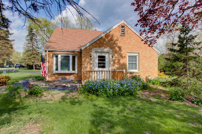 New Berlin Single Family Home Active Contingent With Offer: 13939 W Ferguson Rd