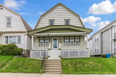 Milwaukee Single Family Home Active Contingent With Offer: 327 E Deer Pl