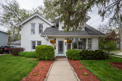 Oconomowoc Single Family Home Active Contingent With Offer: 102 S Maple St