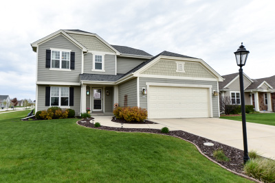 Ozaukee County Single Family Home For Sale: 290 N Sweetwater Blvd
