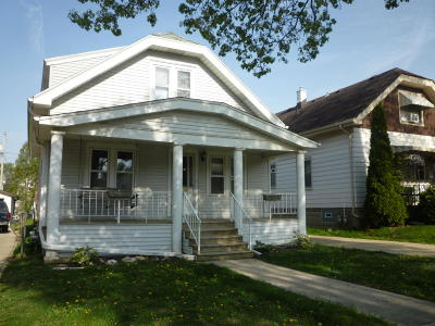 West Allis Single Family Home For Sale: 2176 S 90th