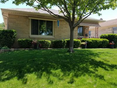 Milwaukee Single Family Home Active Contingent With Offer: 2930 S 58th St