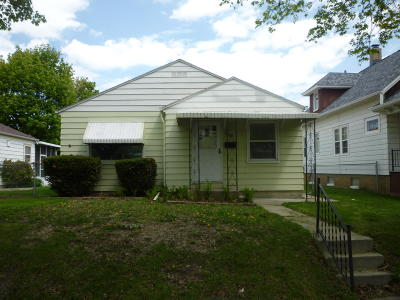 Milwaukee Single Family Home Active Contingent With Offer: 3818 S 53rd St