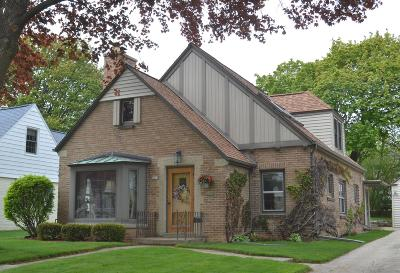 Wauwatosa Single Family Home For Sale: 8610 Jackson Park Blvd.
