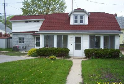 West Allis Single Family Home For Sale: 2139 S 63rd St