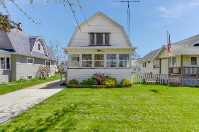 Kenosha Single Family Home For Sale: 7013 18th Ave