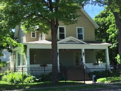Menominee Single Family Home For Sale: 1615 1st St
