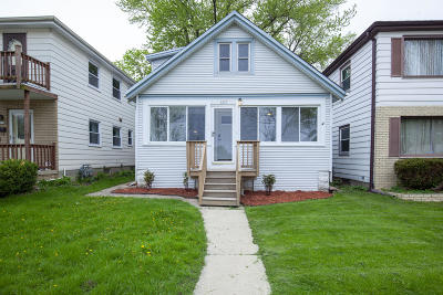 West Allis Single Family Home For Sale: 2327 S 72nd St