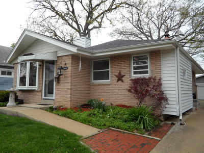 Milwaukee County Single Family Home For Sale: 3412 S 81st St