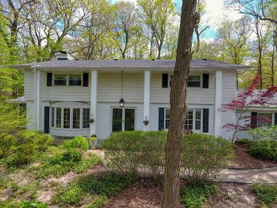 Waukesha County Single Family Home For Sale: 850 Park Ln
