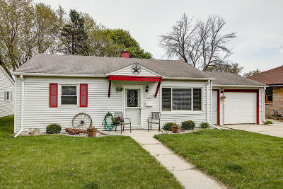 West Bend Single Family Home For Sale: 1427 N 10th Ave