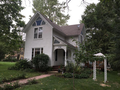 Williams Bay Single Family Home For Sale: 106 W Geneva St
