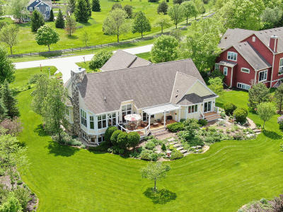 Waukesha County Single Family Home For Sale: N42w28902 Imperial Dr