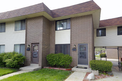 Condo/Townhouse For Sale: 6042 W Port Ave