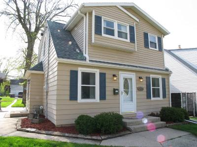 West Allis Single Family Home Active Contingent With Offer: 2909 S 91st St