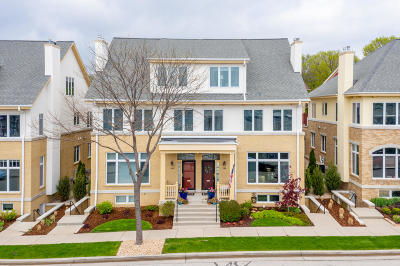 Milwaukee County Condo/Townhouse For Sale: 1745 N Hubbard St
