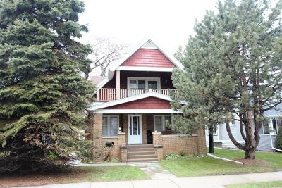 Milwaukee County Two Family Home For Sale: 906 N Chicago Ave
