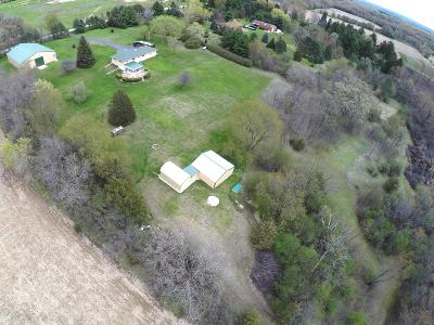 Waukesha Single Family Home Active Contingent With Offer: S47w32743 Highview Rd