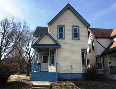 Single Family Home For Sale: 2601 W Juneau Ave