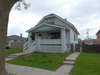 Milwaukee County Single Family Home For Sale: 2370 S 62nd St