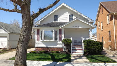 Racine County Single Family Home For Sale: 824 Cleveland Ave