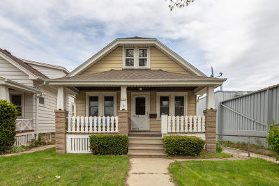 Milwaukee Single Family Home For Sale: 1106 N 50th St