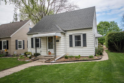 Single Family Home For Sale: 2856 N 79th St