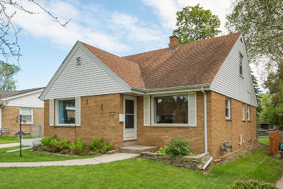 Milwaukee County Single Family Home For Sale: 7429 W Dakota St.