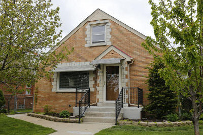 Milwaukee Single Family Home For Sale: 3209 S 43rd St