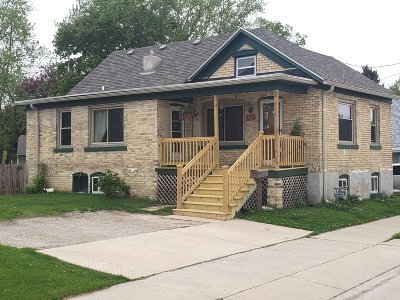 Watertown Single Family Home For Sale: 702 N Church St