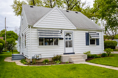 Single Family Home For Sale: 3365 N 77th St