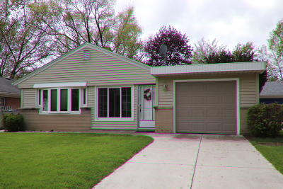Milwaukee Single Family Home For Sale: 2839 S 55th St