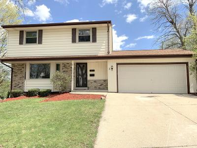 Waukesha Single Family Home For Sale: 1809 Cardinal Dr