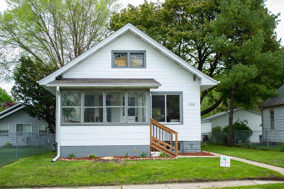 Single Family Home For Sale: 316 Harrison Ave